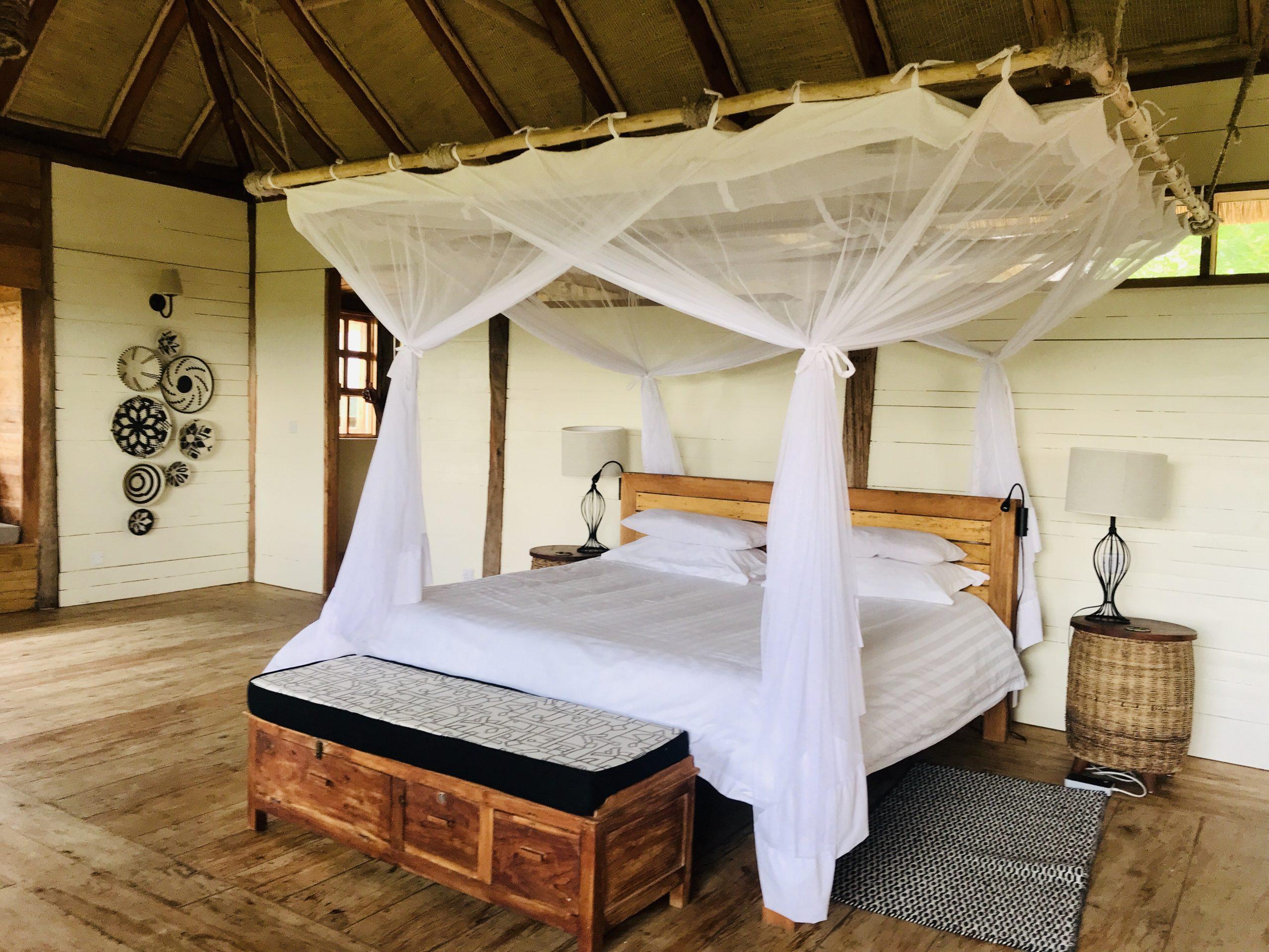 Kyambura Gorge Lodge. Uganda safari Lodges
