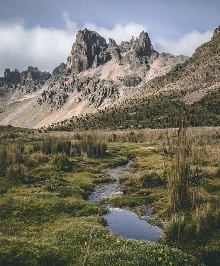 Mount Kenya. Kenya Tours